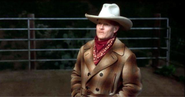 79 The Cowboy dukker op